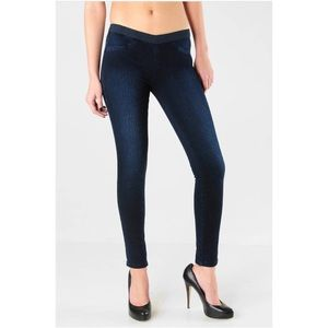 BLANK NYC pull on skinny jeans